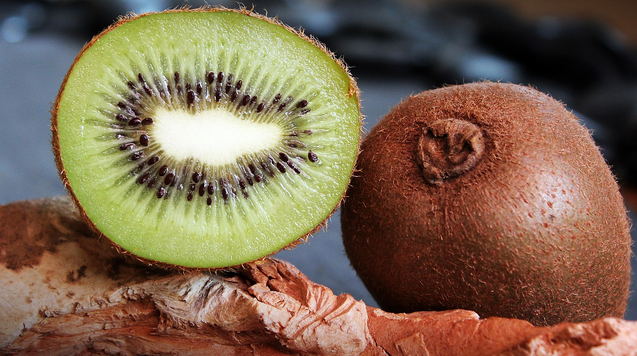 7 Reasons Why You Should Not Ignore Kiwifruit